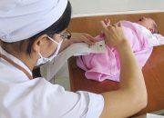 Bạn có thể cứu sống con mình với kỹ thuật lấy máu gót chân