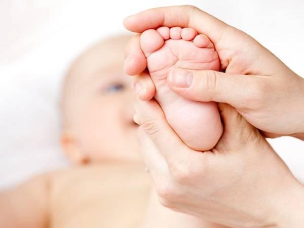 Cách xử lý nhanh tình trạng nghẹ mũi ở trẻ sơ sinh
