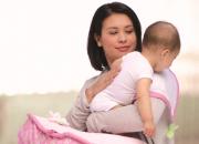 Chia sẻ với mẹ cách vỗ ợ hơi cho trẻ sơ sinh dễ dàng