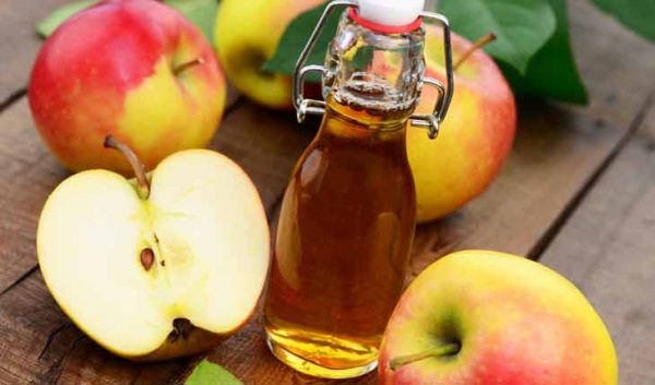 Bỏ túi bài thuốc trị ho từ gừng, hành, tỏi và táo cho bé
