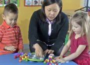 Dạy con học toán mầm non | Đồ chơi giáo dục sớm cho trẻ 3 tuổi: học màu sắc & số đếm