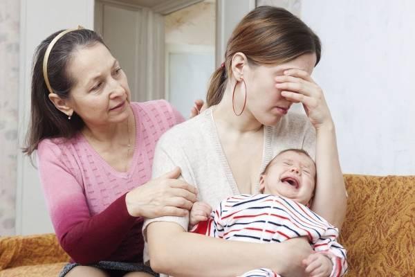 """Lý giải vì sao 90% phụ nữ sau sinh đều mắc chứng """"não cá vàng"""""""