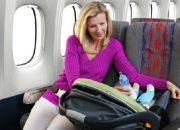 Cho trẻ sơ sinh đi máy bay bố mẹ cần lưu ý những gì?