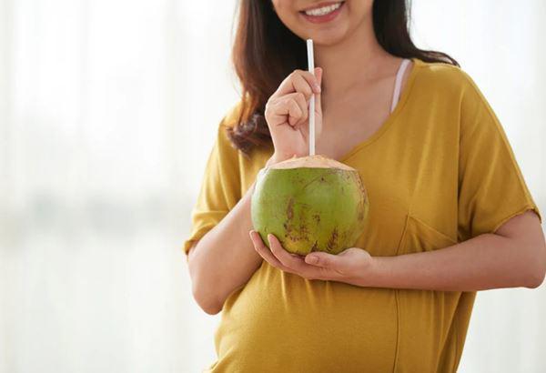 bầu 4 tháng uống nước dừa được không;