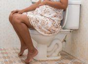 Bà bầu ngồi xổm đi vệ sinh có sao không